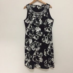 Laura Petites floral white and black print dress